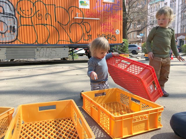 Mobile Bewegungsbaustelle Berlin Obstkisten